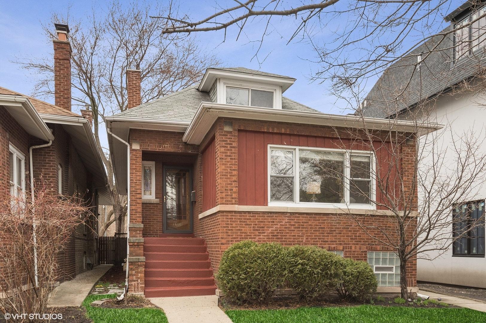 2858 Giddings ,Chicago, Illinois 60625