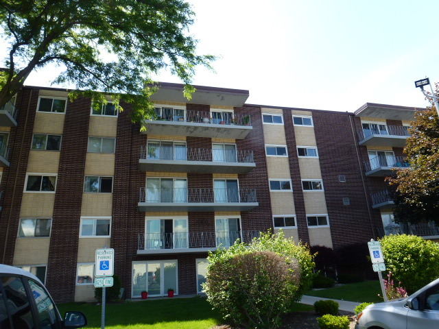 2900 Maple AVE #18B, Downers Grove, IL 60515 $95,000 Www ...
