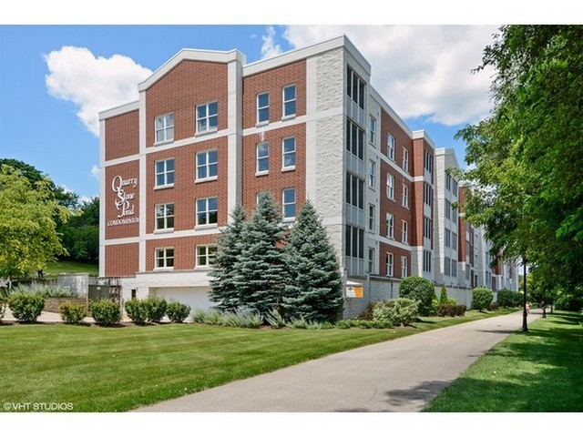 132 N Water St Unit 403, Batavia IL 60510