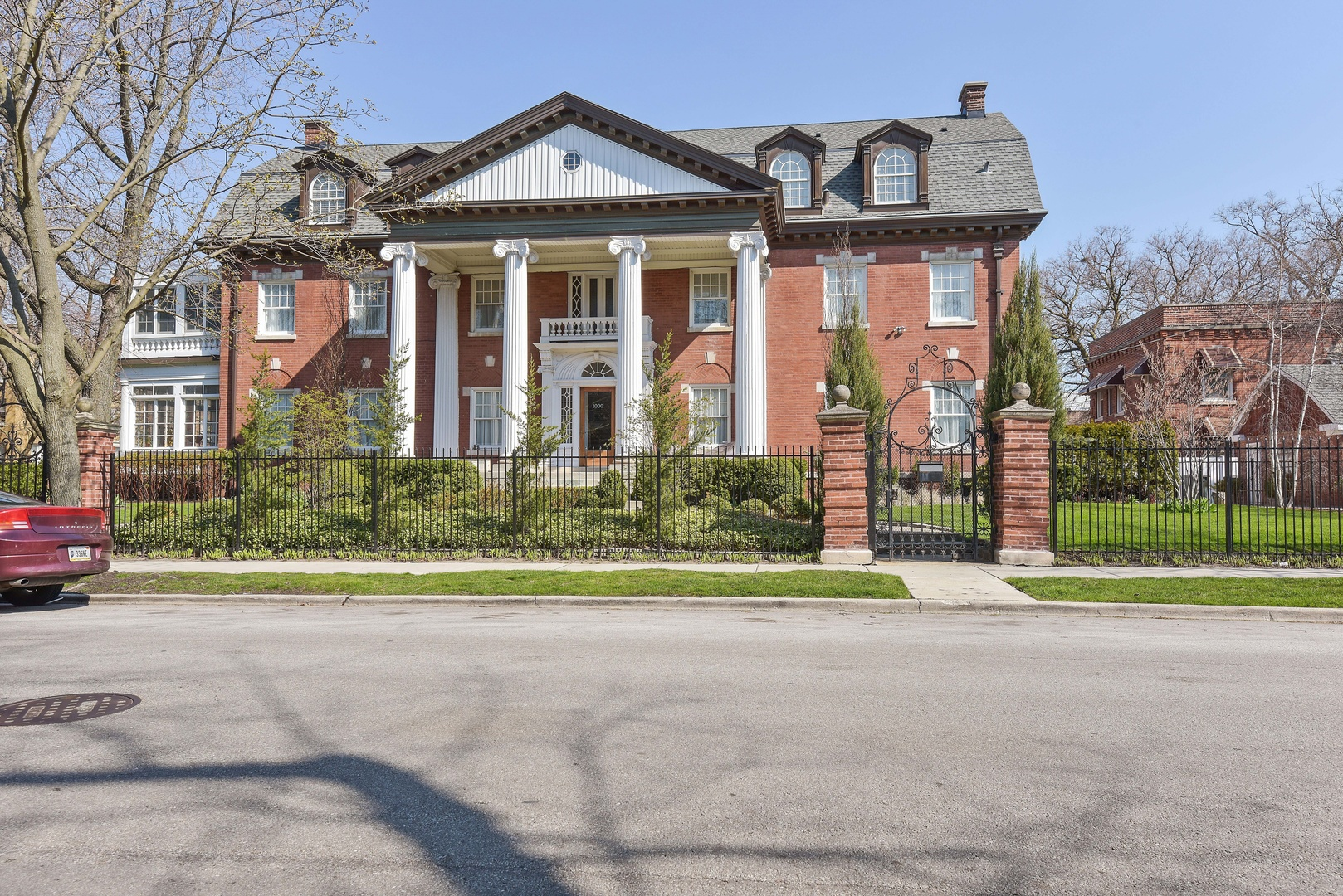 1000 East 48th Street, Chicago, IL 60615