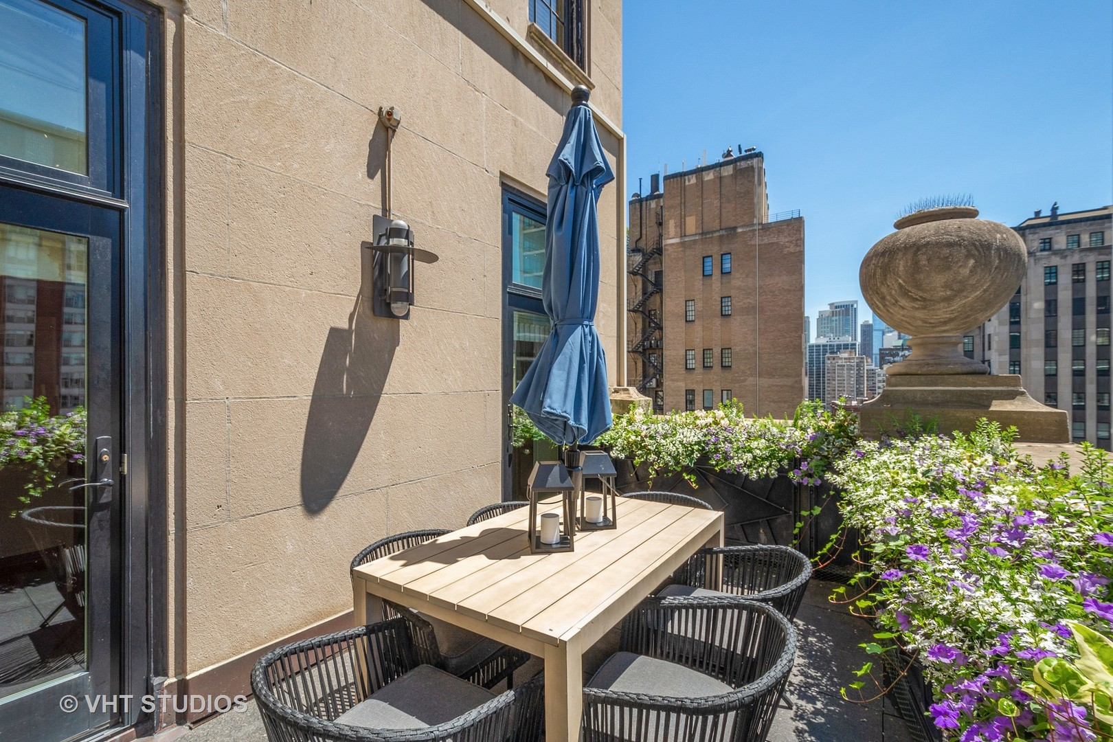 $7,999,000 - 6Br/6Ba -  for Sale in Chicago