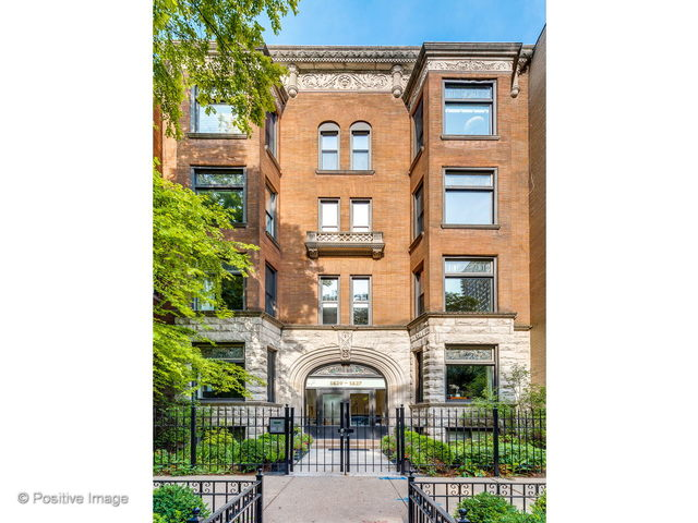 1427 N Dearborn Parkway 4S, Chicago, Illinois 60610
