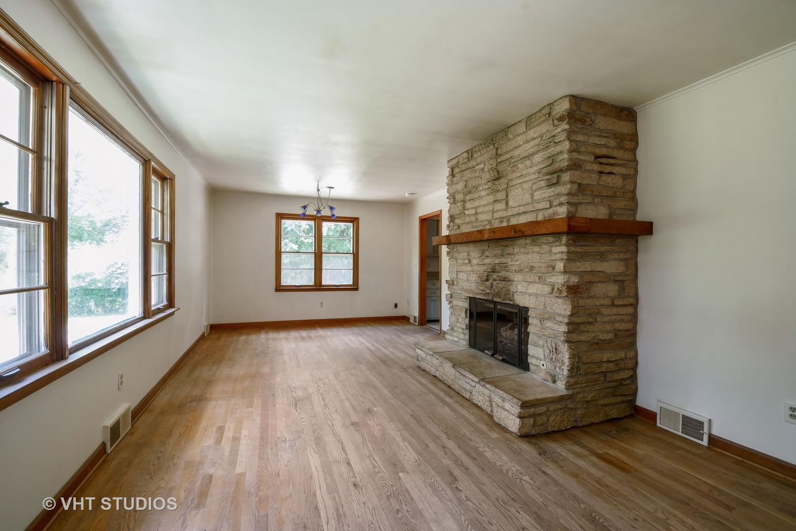 28478 Main ,Barrington, Illinois 60010