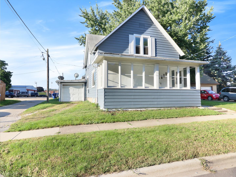 614 Pine ,Dekalb, Illinois 60115