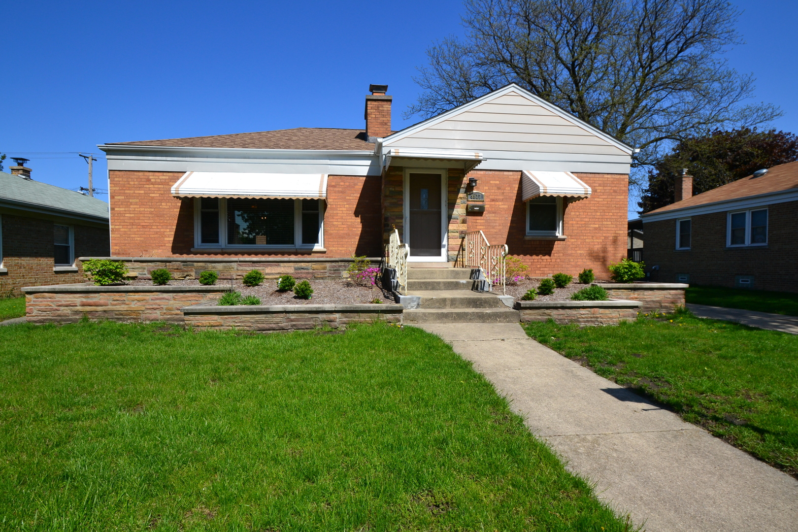 Photo of 9927 South Sawyer Avenue EVERGREEN PARK IL 60805
