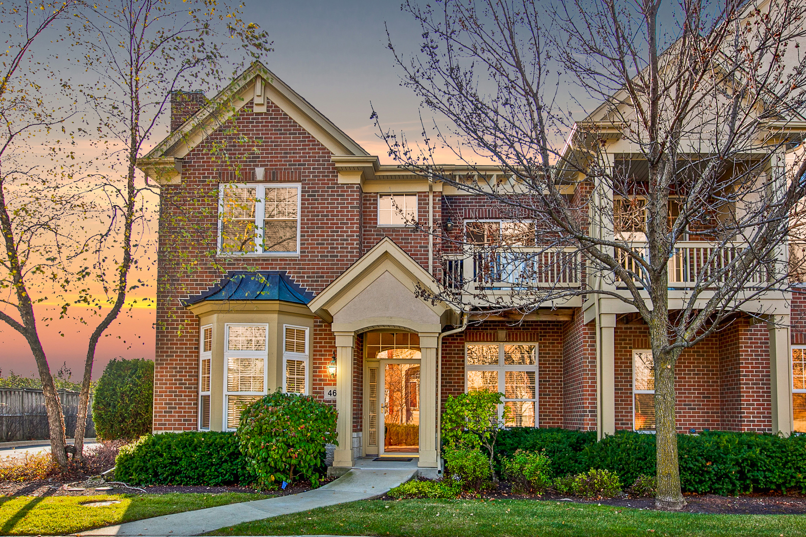 462 S Commons Court Chicago's North Shore, North and Northwest Suburbs Home Listings - Allyson Hoffman Northern Illinois Real Estate
