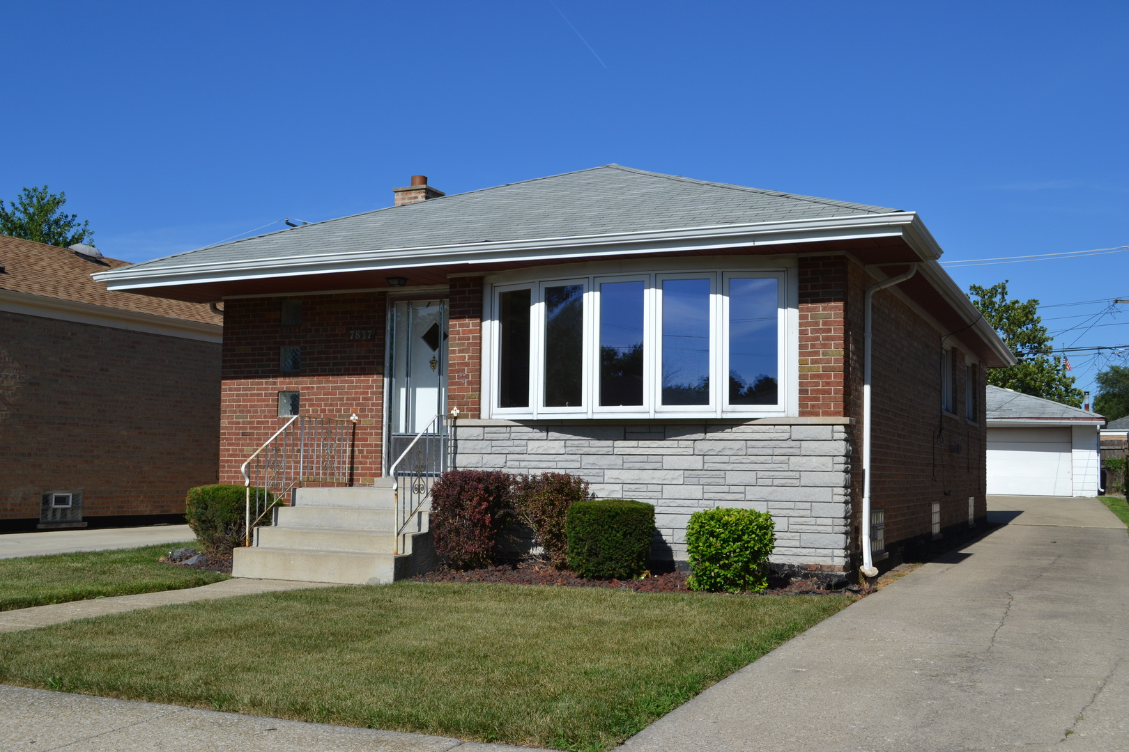 Photo of 7837 South Kenneth Avenue CHICAGO IL 60652