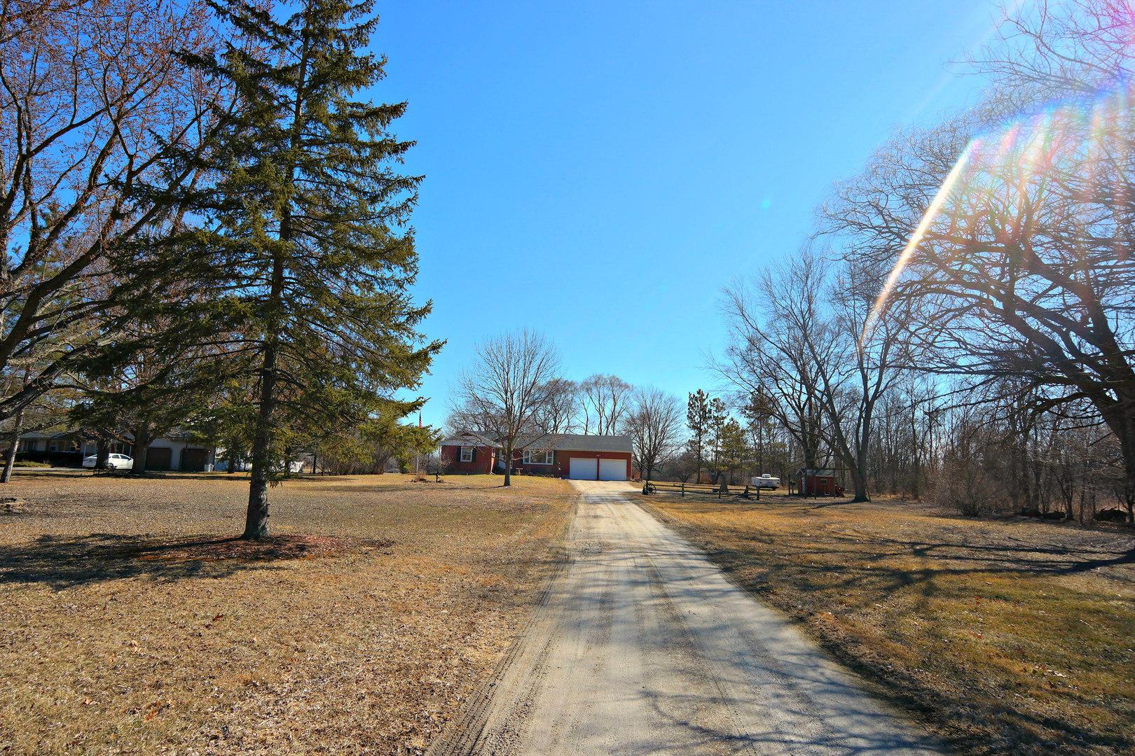 14509 Pleasant Valley Road, Woodstock, IL 60098
