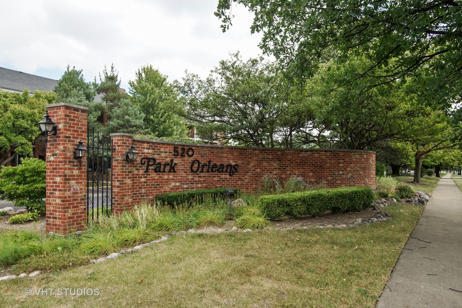 520 Biesterfield Unit Unit 111b ,Elk Grove Village, Illinois 60007