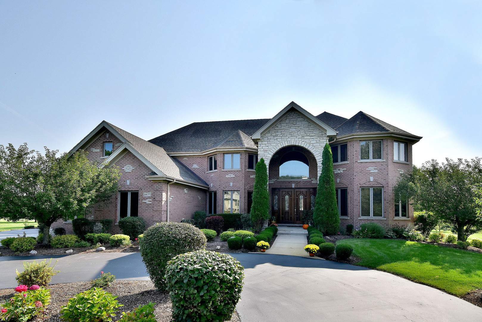 9 N771 Old Mill Court, Elgin, IL 60124