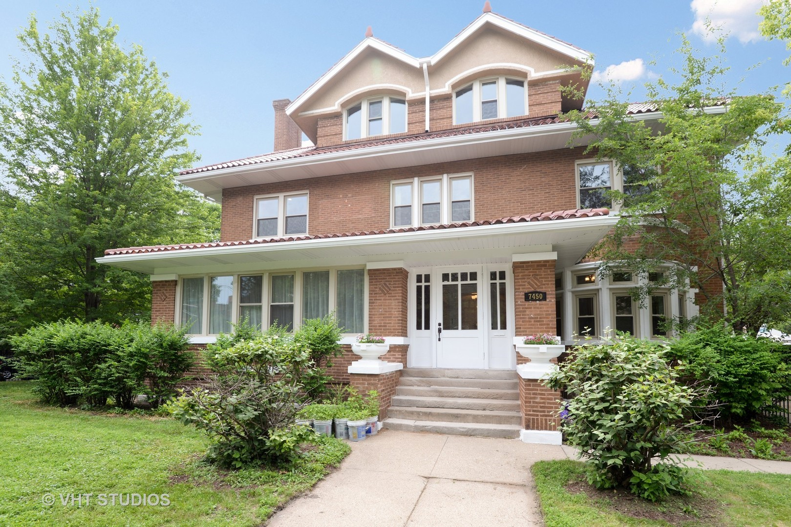 7450 North Sheridan Road, Chicago-Rogers Park, IL 60626