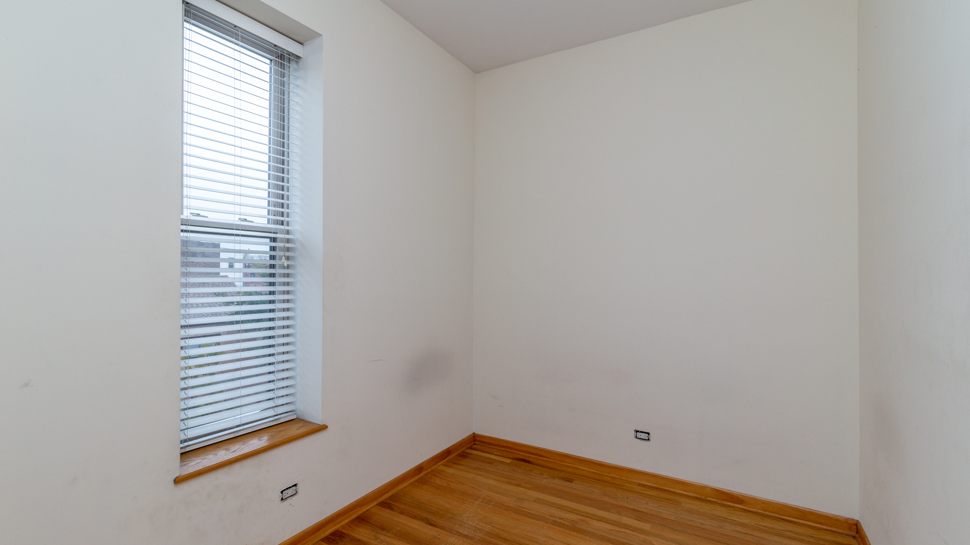 1000 S Loomis St apartments for rent at AptAmigo