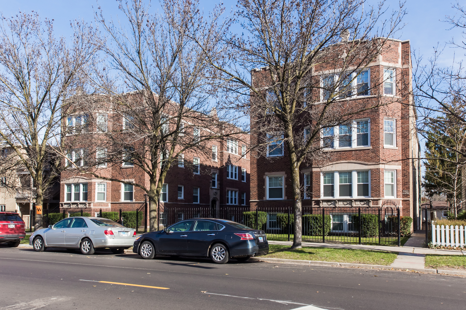 7005 North Ridge Boulevard, Chicago-Rogers Park, IL 60645