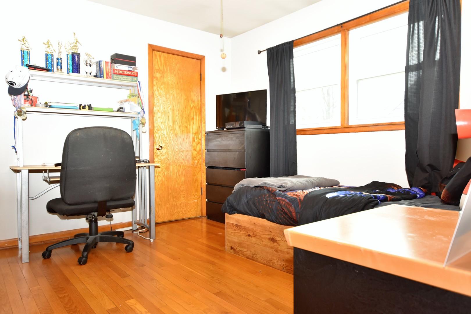 440 NORTH MICHIGAN AVENUE, VILLA PARK, IL 60181  Photo 14