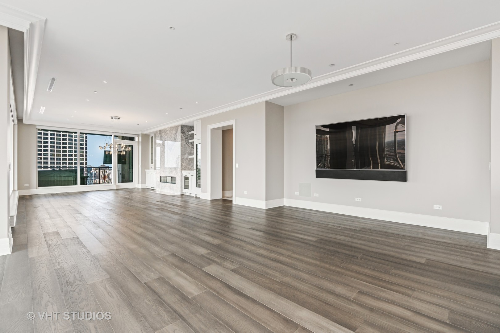 $7,200,000 - 3Br/4Ba -  for Sale in Chicago